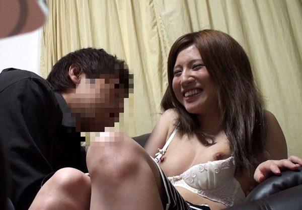 「マッスル太郎」が人妻をナンパして連れ込んでいる盗撮映像。色々勉強になりますww