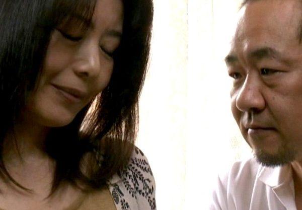 ◆ヘンリー塚本◆SEXが淡泊な夫と別れて絶倫男と再婚した人妻。昭和の雰囲気が漂うエロスww